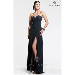 Long Black Strapless Evening gown